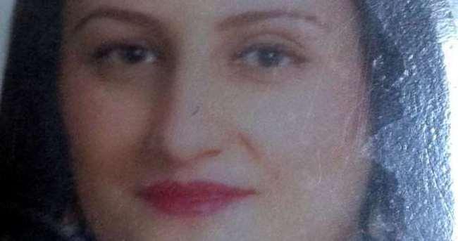 Evli kadın bornoz kuşağıyla kendini astı
