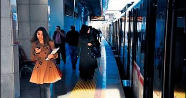 Freni çeken yolcu seferleri aksattı