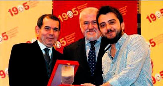 GSYİAD'dan SABAH'a ödül