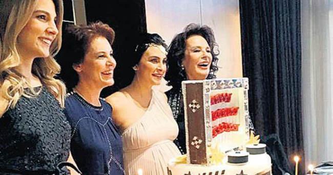 Neslişah Alkoçlar 'baby shower' yaptı