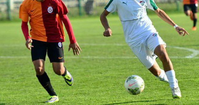 Galatasaray, Bursaspor'dan fark yedi