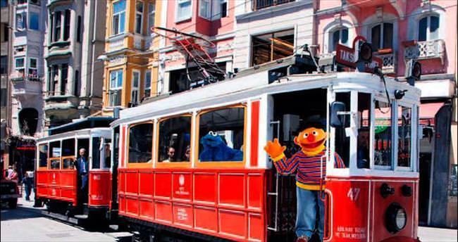 'Susam Sokağı' kahramanları İstanbul'a geliyor