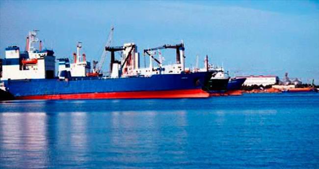 Üç Rus gemisi limandan ayrıldı