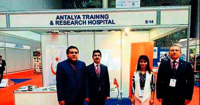 Sağlık turizmi için Katar'da stant açıldı