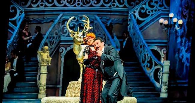 Yarasa Opereti Opera Sahnesi'nde