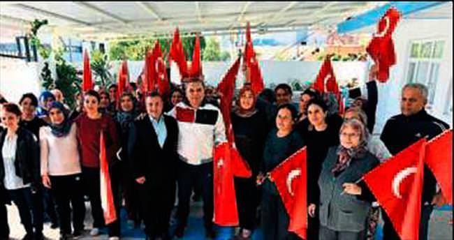 Başkan Uysal'dan kadınlara destek