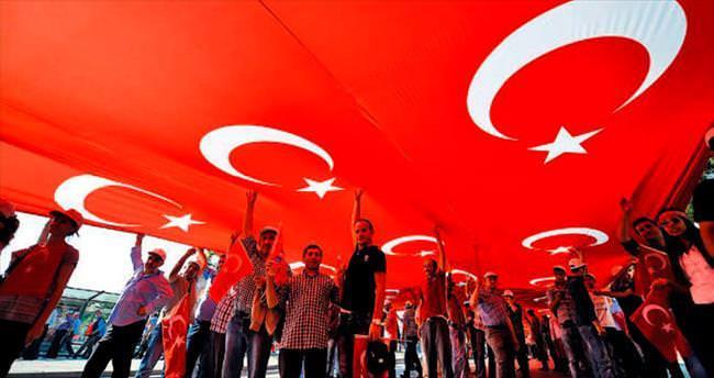 5 bin kişi teröre karşı 'canlı bayrak' olacak