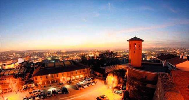 Ankara Kalesi burçlarında tarihi 'Bursa Evi'