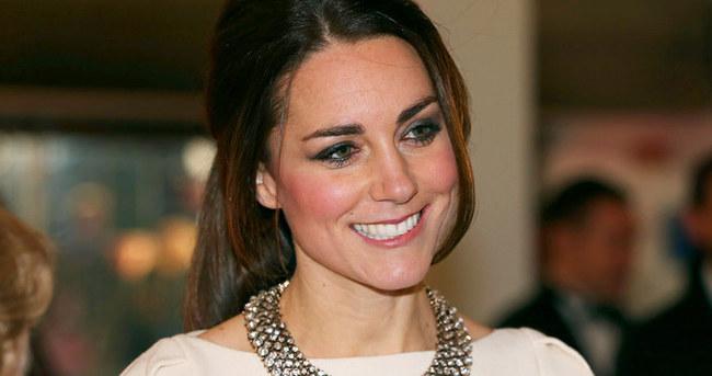Kate Middleton Prenses'in tacını taktı