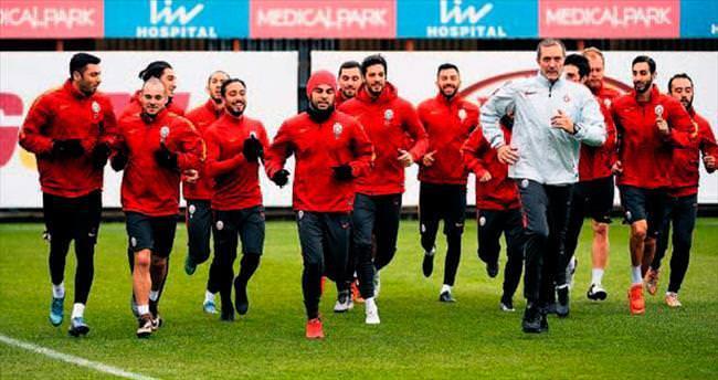 Selçuk İnan UEFA11'inde