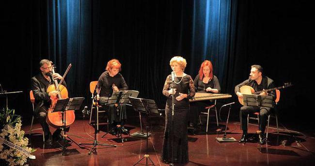 Fransız lisesinde klasik Türk müziği konseri