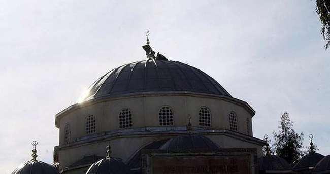 Camiye alçak saldırı!