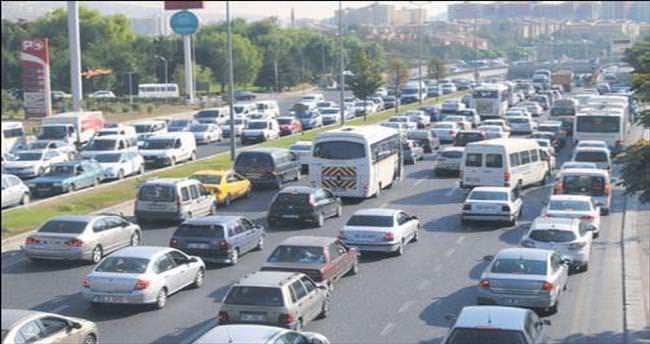 Ankara'da bin kişiye 234 otomobil düşüyor