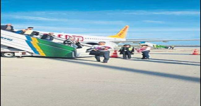 İzmir-Ordu arası uçak seferi başladı