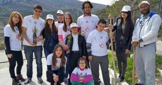 Gençlik ve Spor Bakanlığı engelli gençlerin yanında