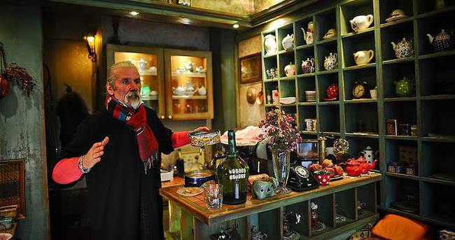 Kahvesiyle ünlü Bosna'nın otantik çay evi de ilgi çekiyor