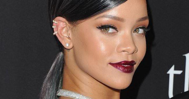 Rihanna'dan olay açıklama