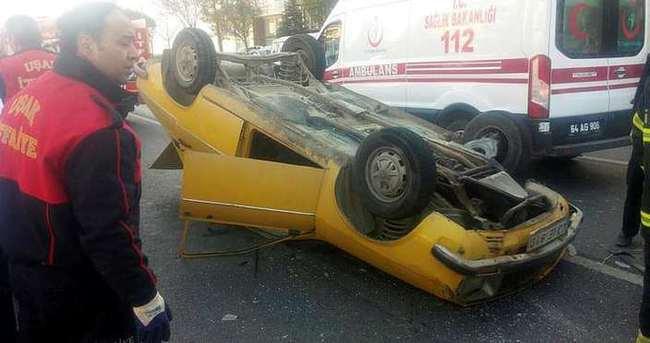 Uşak'ta otomobil takla attı: 3 yaralı
