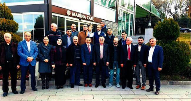 AK Parti'nin vekil adayları Meclis dışında da çalışıyor