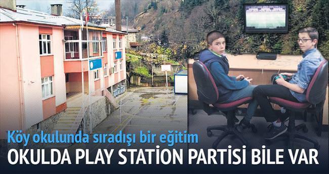 Köy okulunda play station partisi bile var