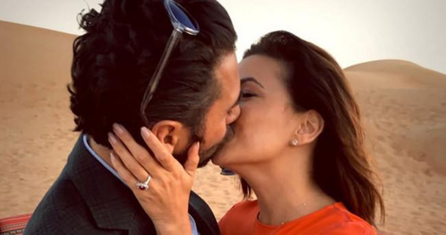 Eva Longoria çölde nişanlandı