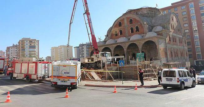 Cami inşaatında göçük: Yaralılar var