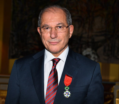 KSYÖ Genel Direktörü Üzümcü'ye Legion d'Honneur nişanı