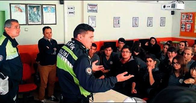 Öğrencilere trafik güvenliği eğitimi