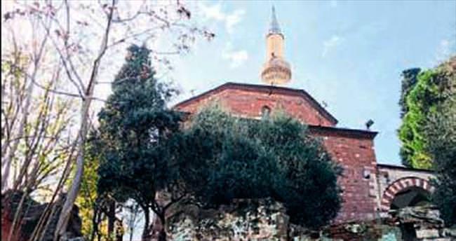 Lalapaşa Camisi bakım bekliyor