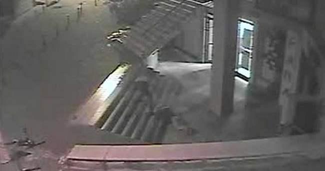 Genç kızın intihar anını kameralar böyle görüntüledi