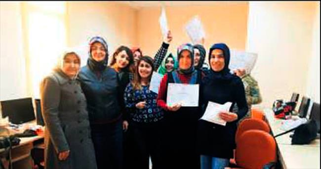 Pursaklar'da sertifika alan kadın sayısı artıyor