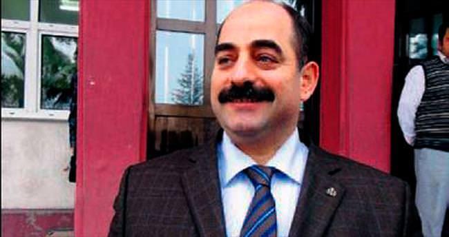 Zekeriya Öz'e 'kaçak şahsiyet' tanımlaması
