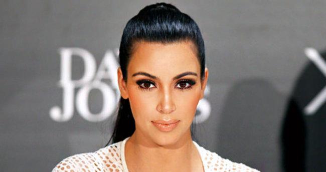 Kim Kardashian bebeğinin plasentasını yiyor