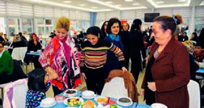 SOS Vakfı, yoksullara yardım yemeği verdi