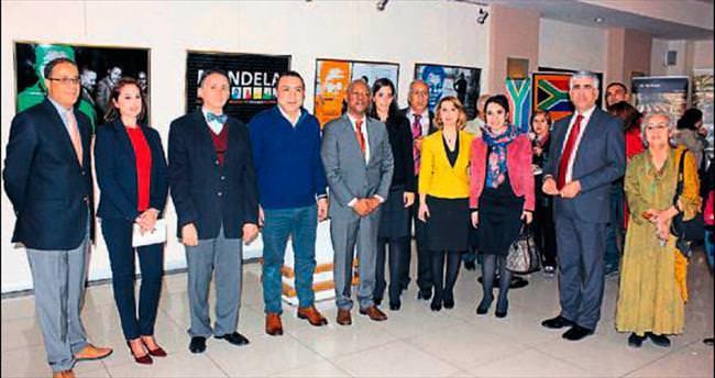 Nelson Mandela konulu sergi Mersin'de açıldı