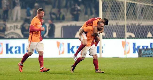 Galatasaray, 3. sırayı devralmak istiyor