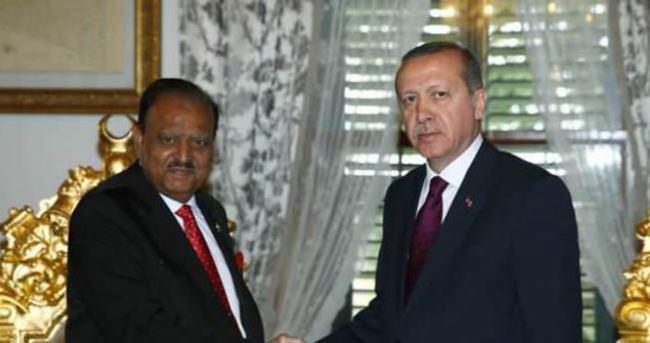 Pakistan Cumhurbaşkanı:''Türkiye hep yanımızda oldu''
