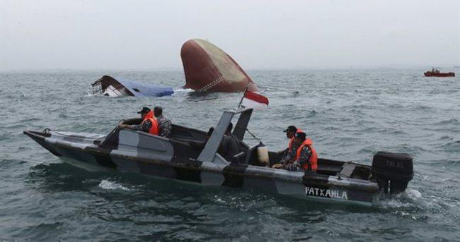 100'den fazla yolcu taşıyan gemi battı