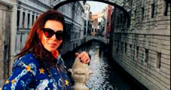 Yeni albümü için Venedik'ten alışveriş yaptı