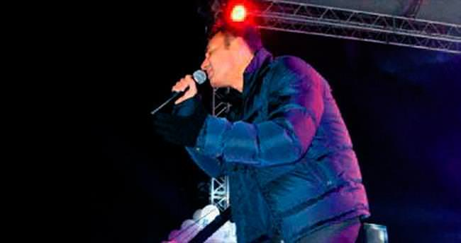 Mustafa Sandal'dan - 17 derecede konser