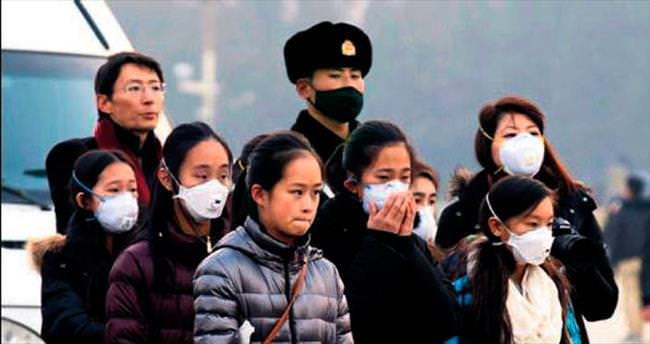 Pekin ve Tahran'da hava kirliliği hayatı durdurdu