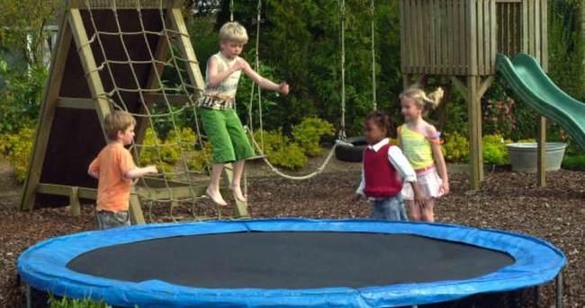'Oyun parkındaki tramboline dikkat'