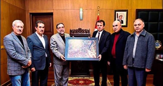 Başkan Erkoç'a teşekkür tablosu