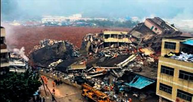 Heyelan, 18 bina çökertti: 41 kayıp