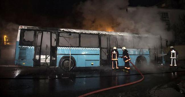 Bağcılar'da halk otobüsü kundaklandı