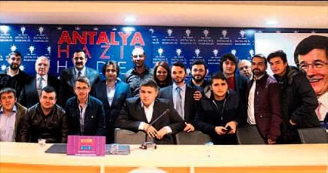 Vecdi Gönül ile Antalya sohbeti