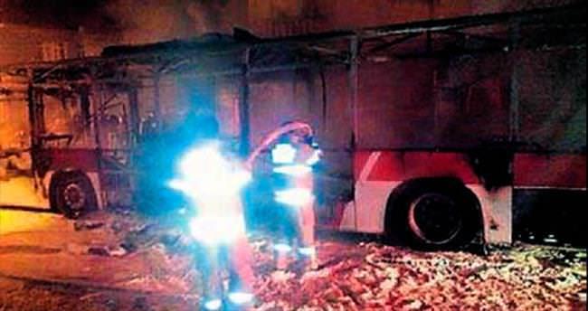 Hainler belediye otobüsünü yaktı