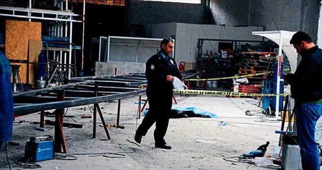 Elektrik ustası çatıdan düşüp öldü