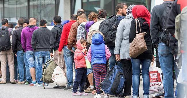 Avrupa'ya ulaşan sığınmacı sayısı 1 milyonu geçti