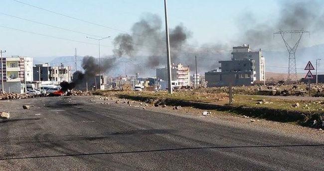 Şırnak'ta yol kapatan gruba müdahale
